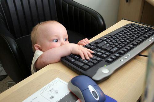 12082456_3ec27a89c81 La informática en edades tempranas. (3)