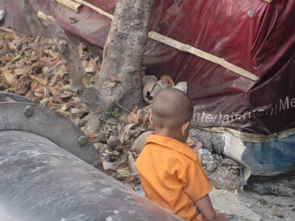 en-el-slum-de-cerca-de-prem-dan-e1344711272507 Otra Navidad.